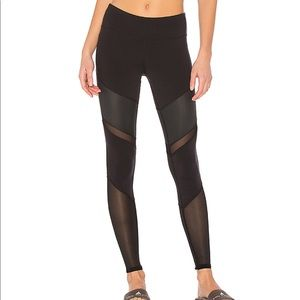 Alo Yoga - Sheila Legging - Black - Medium